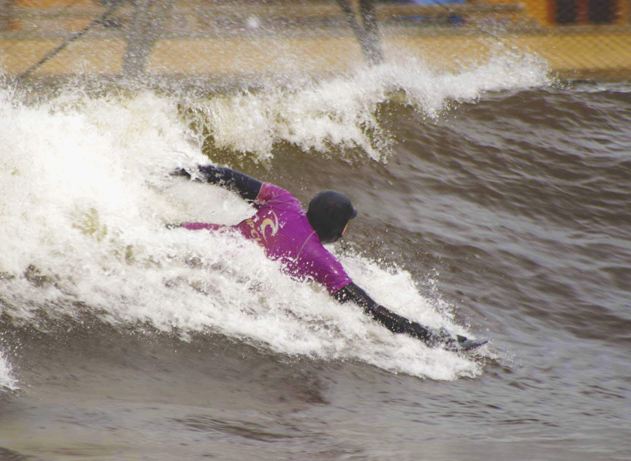 Surf Snowdonia wave